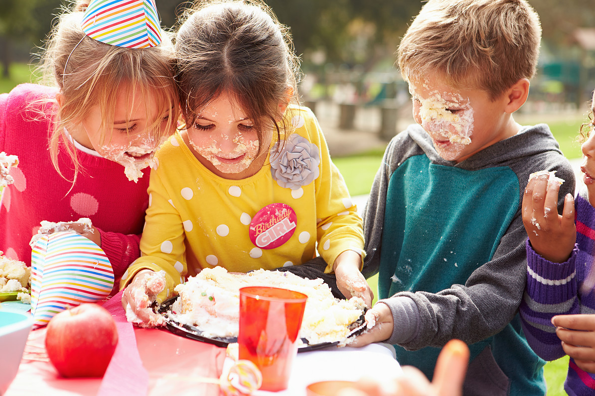 children playing icing